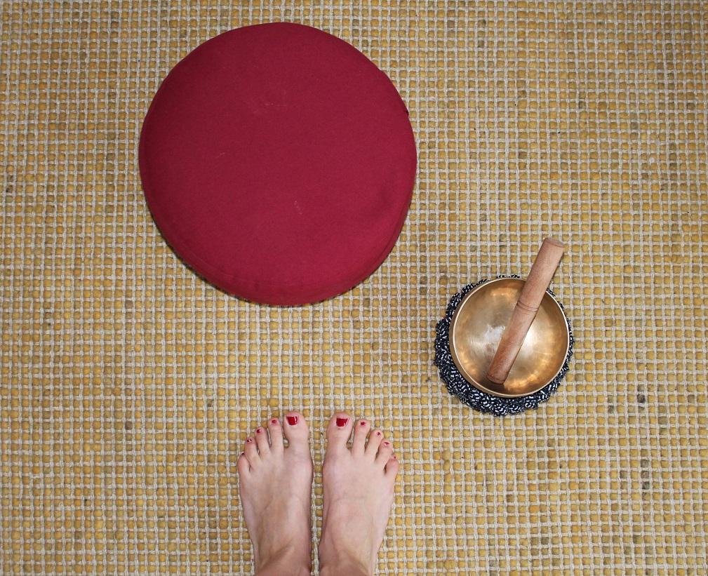 Finde auf www.ompure.de Inspirationen und Übungen, wie du durch Meditation und Yoga mehr Gelassenheit in dein Leben als Mutter bringst.Finde auf www.ompure.de Inspirationen und Übungen, wie du durch Meditation und Yoga mehr Gelassenheit in dein Leben als Mutter bringst.