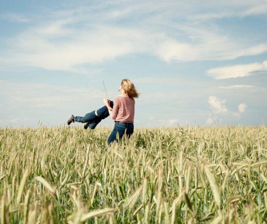 Finde auf www.ompure.de Inspirationen und Übungen, wie du durch Meditation und Yoga mehr Energie in dein Leben als Mutter bringst.