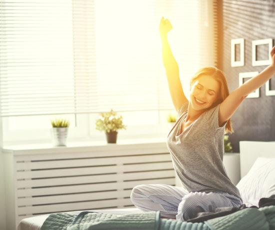 Auf www.ompure zeige ich dir, wie du durch Techniken aus Yoga, Meditation und Mindset mehr Entspannung und Spaß in deinen Alltag bringst.