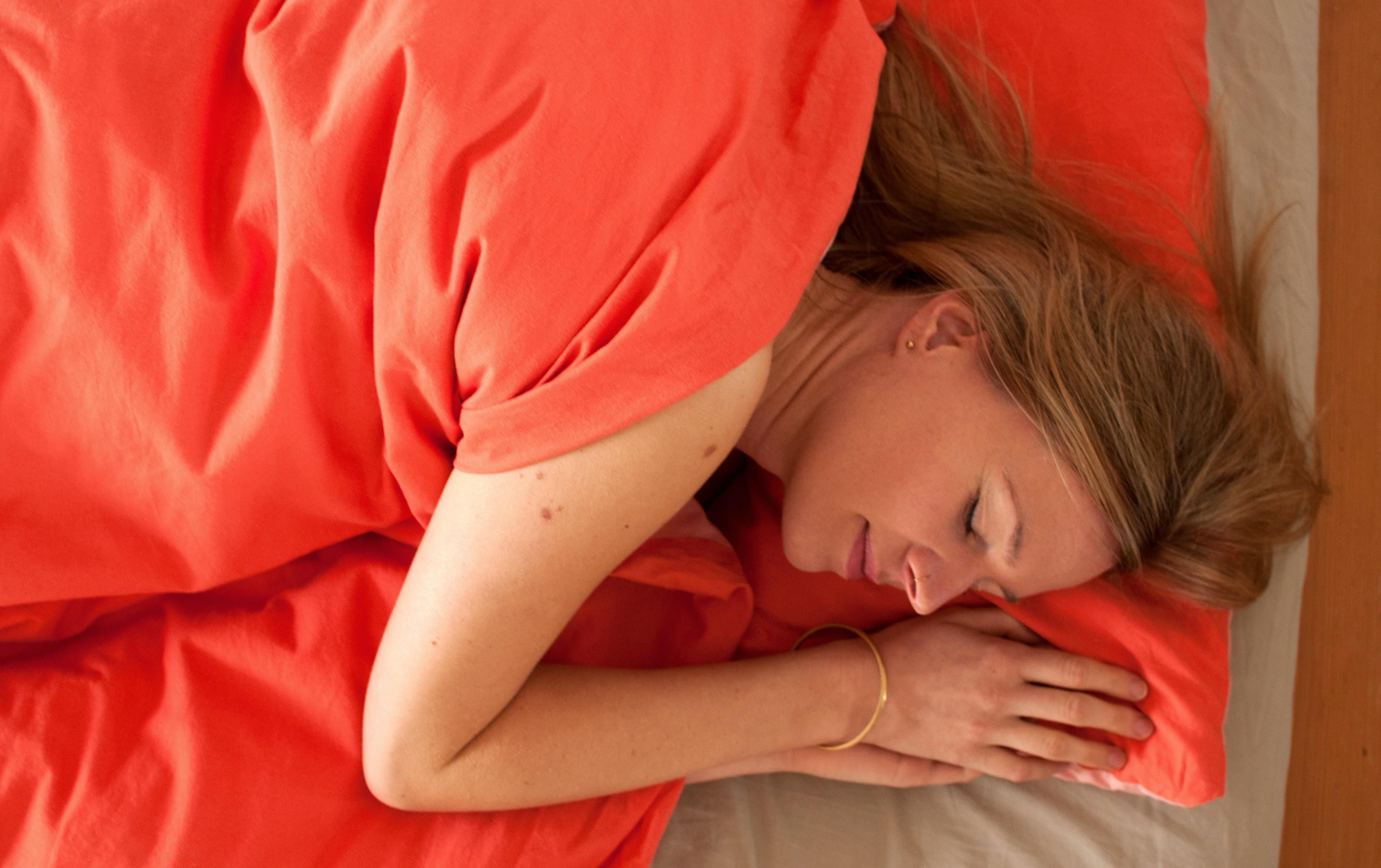 Hole Shlaf nach mit Yoga Nidra. Weitere Tipps und Inspiration auf www.ompure.